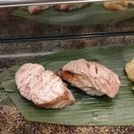 136067820 - 本鮪セット 頭肉と頬肉