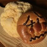 パン・アキモト 石窯パン工房きらむぎ - 黄金のメロンパン(180円)&アンパンマン (150円)