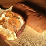 パン・アキモト 石窯パン工房きらむぎ - 御養卵のベーコンエッグ(200円)&甘納豆パン(160円)