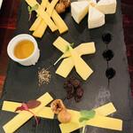 セルジオ ストロベリー - 4種チーズ盛り合わせ