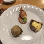 ペンションうーにー - 料理写真:前菜という下りの焼き物3つ。炉端焼き?
