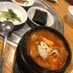 韓一館 - キムチチゲ