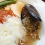 136105864 - 冷たい貝だしトマト