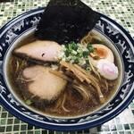 中華そば いぶし - 料理写真:いぶし中華そば(味付玉子入り)(780円)