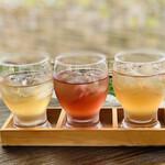 136111209 - ・ぶどうジュース3種飲みくらべセット 800円/税抜                       (サニールージュ、デラウェア、藤みのり)