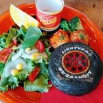 kawara CAFE&DINING - 稲妻のハンバーグサンド