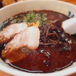 山小屋 - 黒マー油ラーメン(680円)