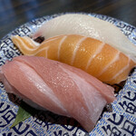 廻鮮寿し たいの鯛 - 料理写真:トロ三昧 660円