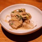 伊勢海老蕎麦 清正 - 炙り〆鯖と香味野菜の胡麻和え