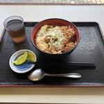 みんなの食堂 - 料理写真:かつ丼 590円(税込)