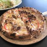 グッドモーニング 坊城 - 料理写真:焼きたて熱々ピザ♡