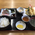 ぴんぴんや ゆたか丸 - 料理写真:ぴんぴんや定食1350円