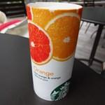 スターバックス・コーヒー - 100%フルーツジュース オレンジ(210円)