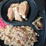 金石餃子店 - 料理写真:餃子(6個)と炒飯セット 700円