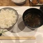 くにたち桜花 - ご飯と味噌汁