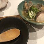 くにたち桜花 - 白身魚とアサリの酒蒸し