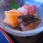 日比野市場鮮魚浜焼きセンター - 刺身