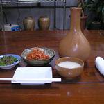 甘辛 - 前菜とマッコリ