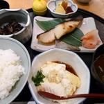 鈴波 - 銀だら定食(寄せ豆腐追加)