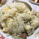 北葉飯店 - 色味は薄いですが味はしっかり