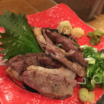 串焼き 猿 - 鴨肉。ちょい塩強いけど美味い