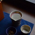 四国まんなか千年ものがたり - 片口に入った日本酒