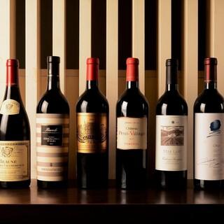 ワインなどのドリンクも豊富な品揃え