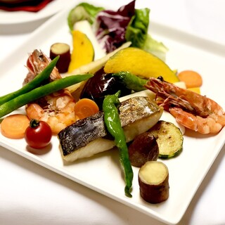 早秋の鎌倉野菜と魚介のバーニャカウダ