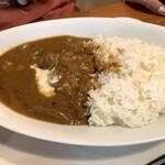 アオザイ - 鶏肉のカレーライス