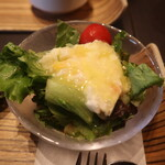 ビストロラブドッグ - セットのサラダ