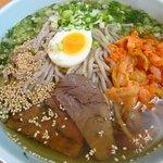 六盛 - 冷麺大盛り950円。疲れた胃にピッタリ。