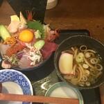 味福 - 2020年9月 上海鮮丼にうどんを選択しました。¥1.540
