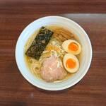 麺や真登 - 料理写真:薫る塩ラーメン(半熟煮玉子入り)