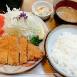 とんかつ うちの - 上ロースカツ定食 月曜特価 1490円→990円