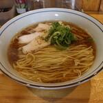 コッチネッラ - 料理写真:中華そば(700円、斜め上から)