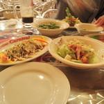 ビアカーニバル - シーザーサラダとタコカルパッチョ