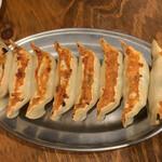 鶴亀餃子製作所 - 料理写真:鶴亀餃子8個