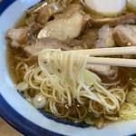 いろは食堂 - 麺アップ 細麺