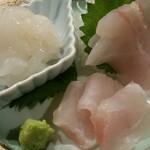 近江町食堂 - 白エビとクエ。北陸は白身魚が美味しいです