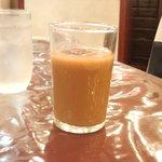 赤坂飯店 - 13時までサービスで付くアイスコーヒー