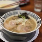 麺道 而今 総本家 - 濃厚 海のトリトン 魚介(鶏・豚骨)ラーメン 880円