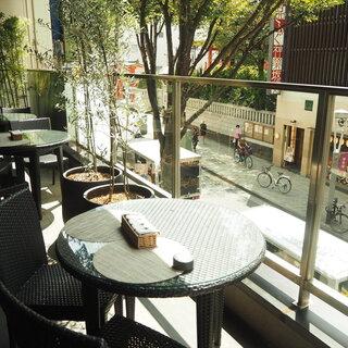 【神楽坂テラス】東京・神楽坂のメイン通りを一望