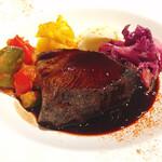 デギスタシオン - 牛肉の赤ワイン煮