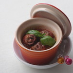 ロコ コロ - プチトマトとカルビ串 トマトとバジルのソース ¥350