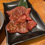 焼肉UMAMI - 和牛旨味上カルビ 1180円