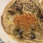 東京煮干し らーめん玉 - 柚子七味とブラックペッパーが合う!