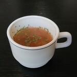 ビストロ アンシャンテ - はじめに提供されたスープ 202009