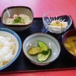 犬塚食堂 - 山いも定食 ¥500