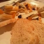 13631205 - チーズのセレクトは良いセンス