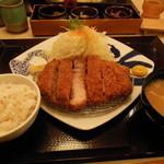 13631952 - 極とろリブロースかつ定食 ¥1970
